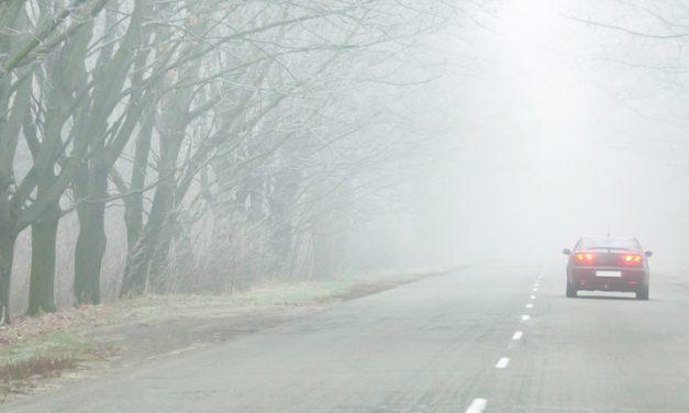Enfrenta la neblina desde el volante