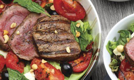 Ensalada de filete y tomates asados